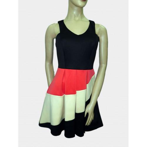 Vestido marca Citiy triangle Talla M