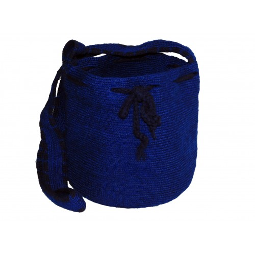 Mochila artesanal tejida a mano en hilo de primera calidad